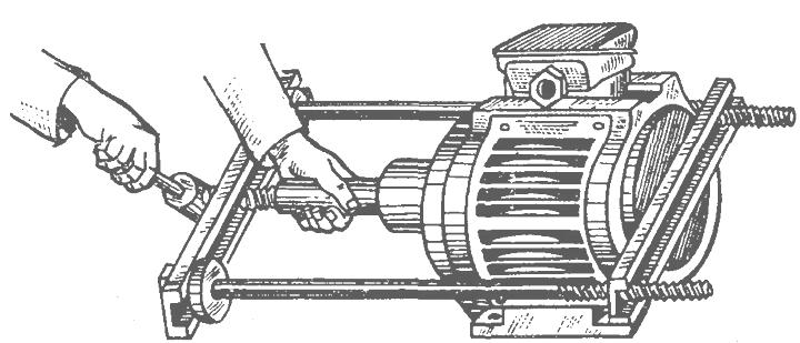 как снять полумуфту с вала электродвигателя